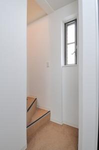 リフォーム後の階段の写真