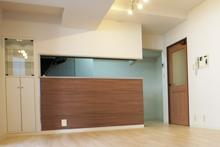 賃貸マンションリノベーション 対面キッチンの写真です。